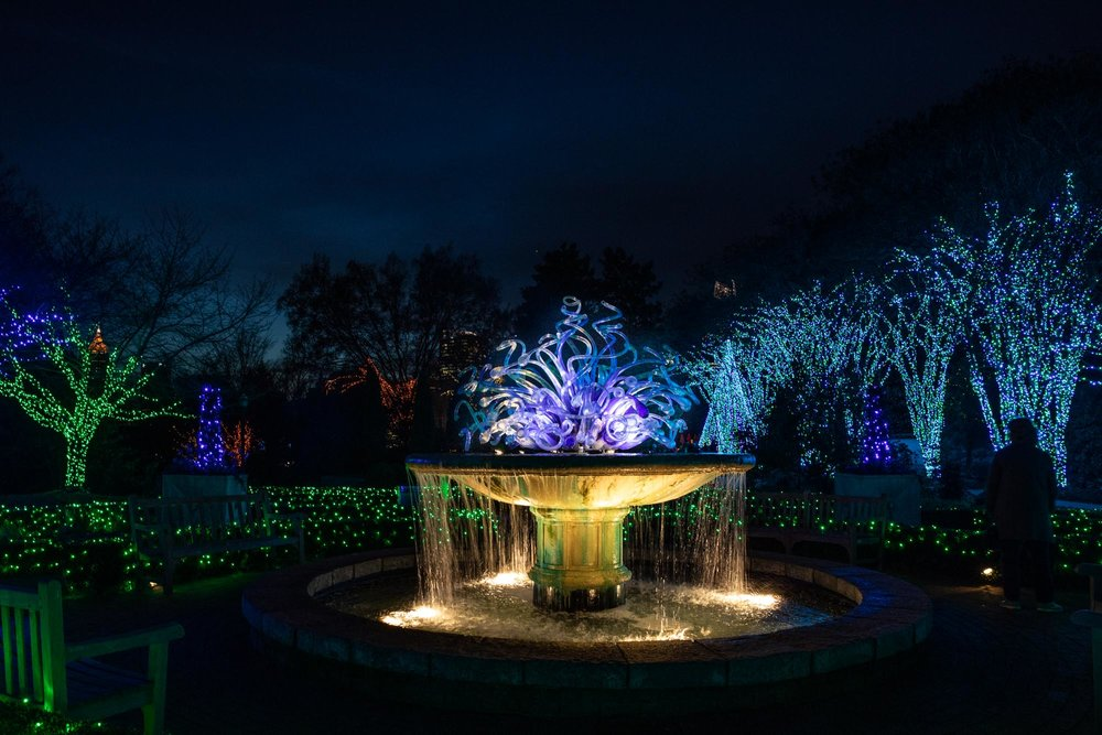 Dale Chihuly's Parterre Fountain Installation