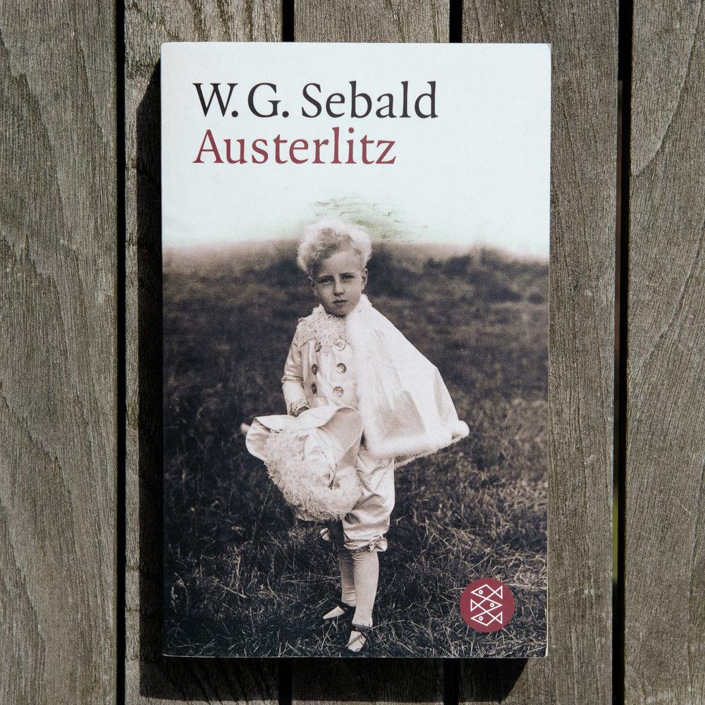 W. G. Sebald, Austerlitz  (München: Hanser, 2001).   Buch der Woche vom 12.08.2017