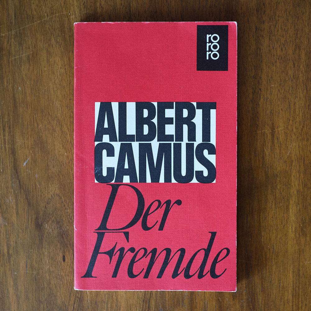 Albert Camus,  Der Fremde  (Hamburg: Rowohlt, 1961 [1942])    Buch der Woche vom 08.07.2018