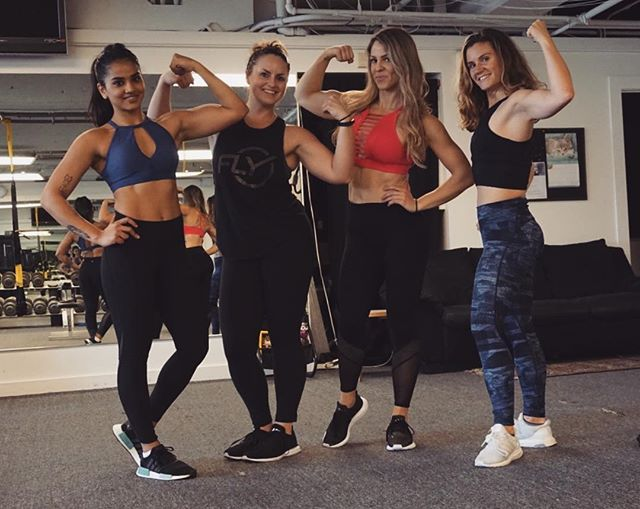 Just a badass squad with the best gun show 💪🏽 Such incredible women, I'm very proud to call my friends. @thekatelync @jessicaforseth @lau_stronach . . . . #trishpfitness #squadup #girlgang #gunshow #womenwithmuscles #beastmode #fitness #fitchicks #motivation #incrediblewomen #womensday #badassbitches #traintogether #liftheavyshit #lifteachotherup #strivetobebetter #abs #strongwomen #sffitness #sanfrancisco #fitspo #strengthtraining #buildingmuscle #surroundyourselfwithgoodpeople #onlythebest #lornajaneactive  #postworkoutpic #flexonem