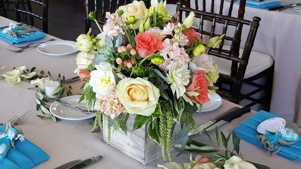 Chardonnay golf course wedding reception flowers