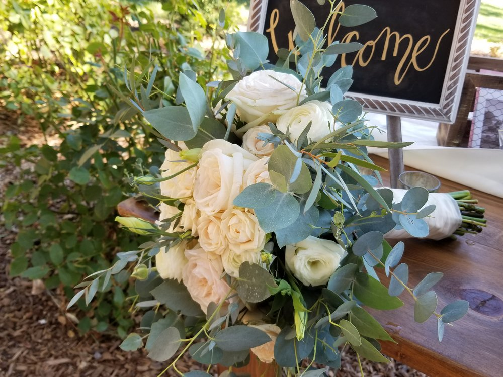 2017-09-23 Bouquet Leafy greens and white flowers.jpg