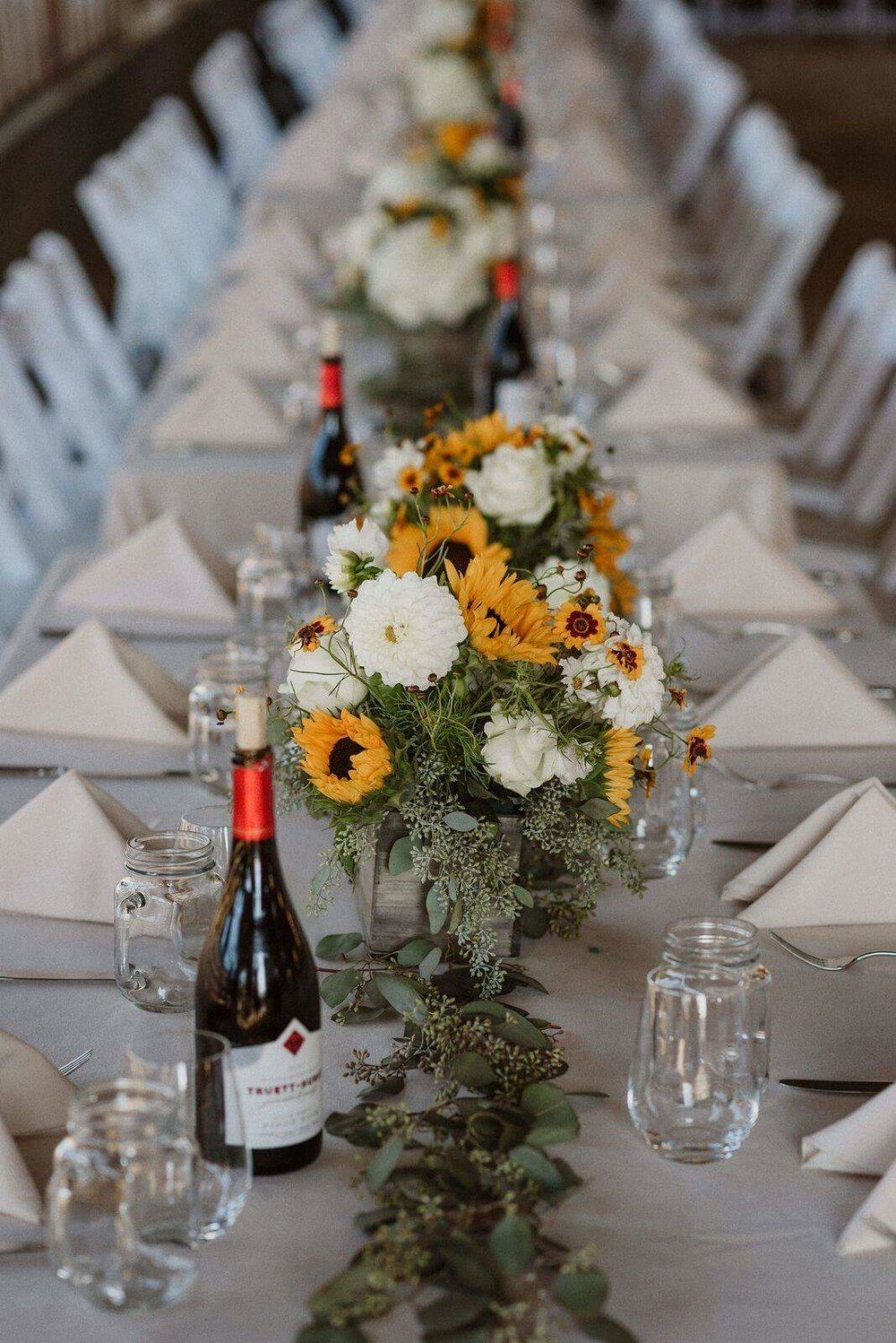 2017 Cow Track Ranch wedding flowers1.jpg