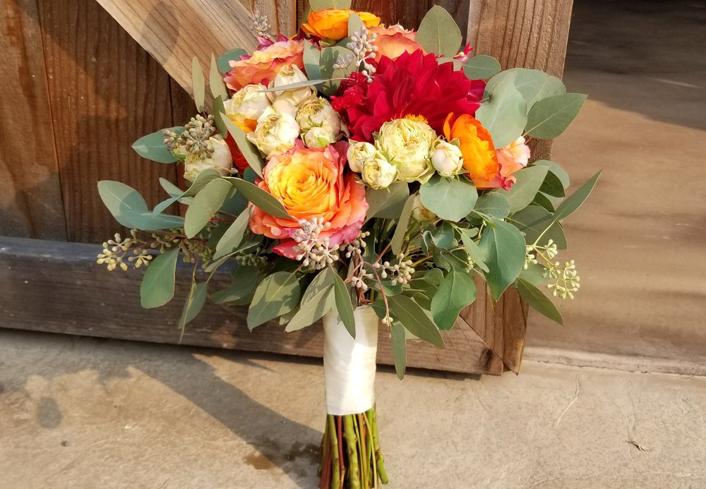 2018-11-10 Bridesmaid bouquet bright.jpg