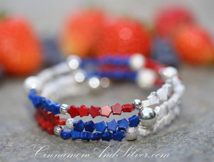 Handmade gemstone bracelet by Cinnamon & Silver Jewelry.