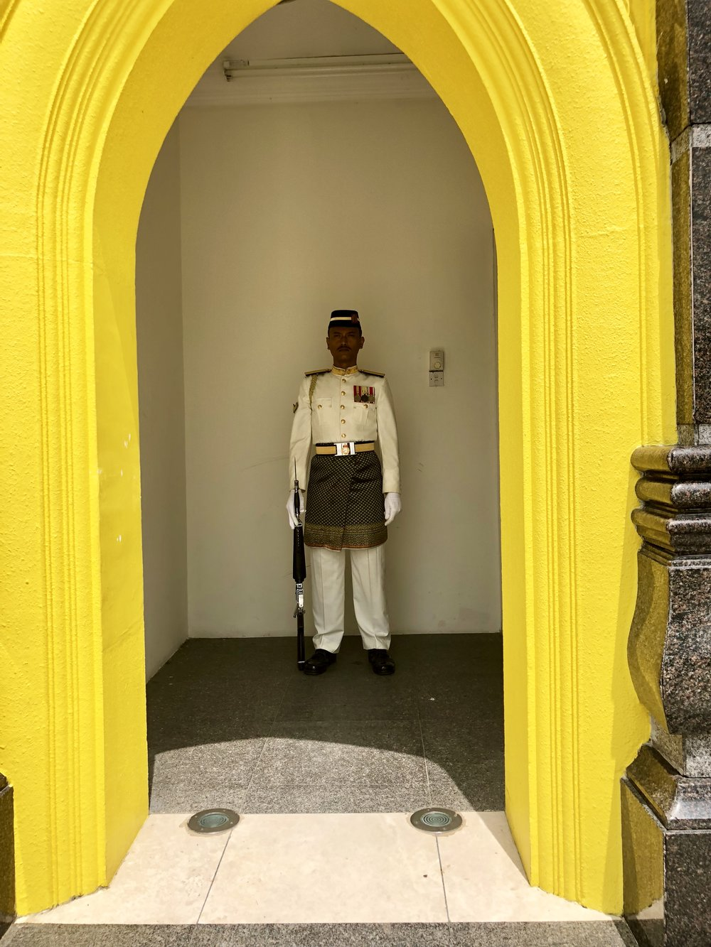 Malaysia Palace Guard 1.jpg