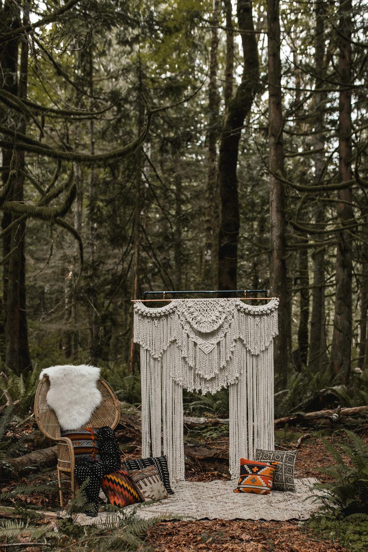 deep-woods-boho-elopement-13.jpg