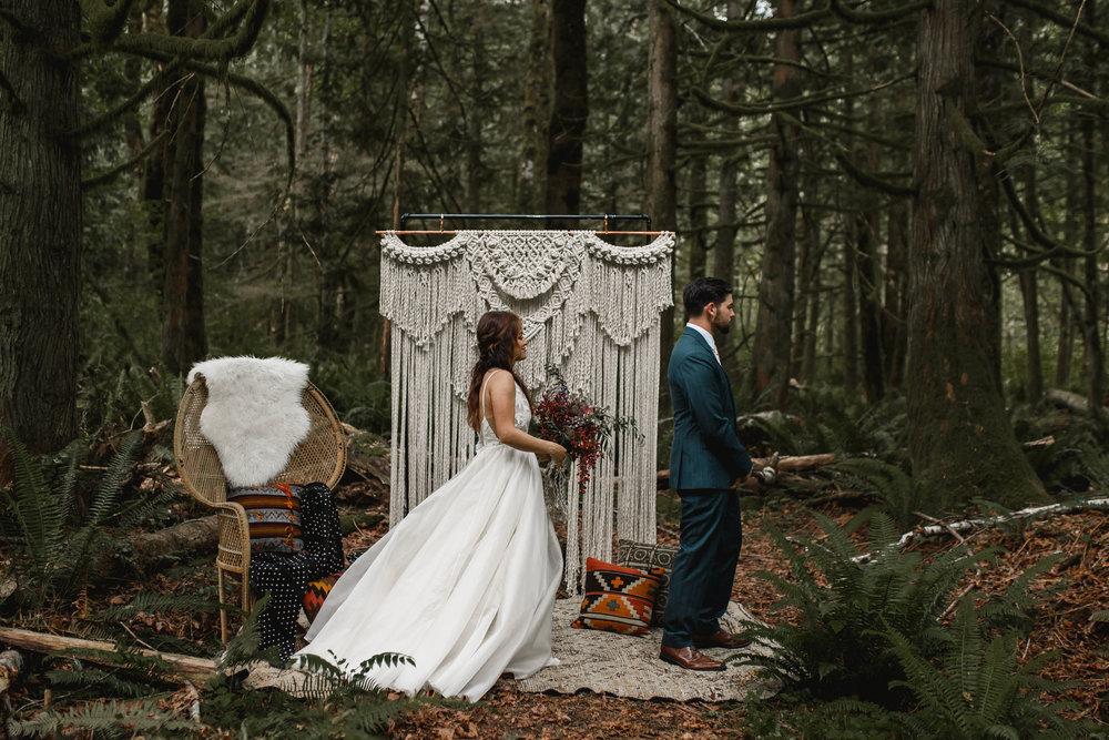deep-woods-boho-elopement-39.jpg