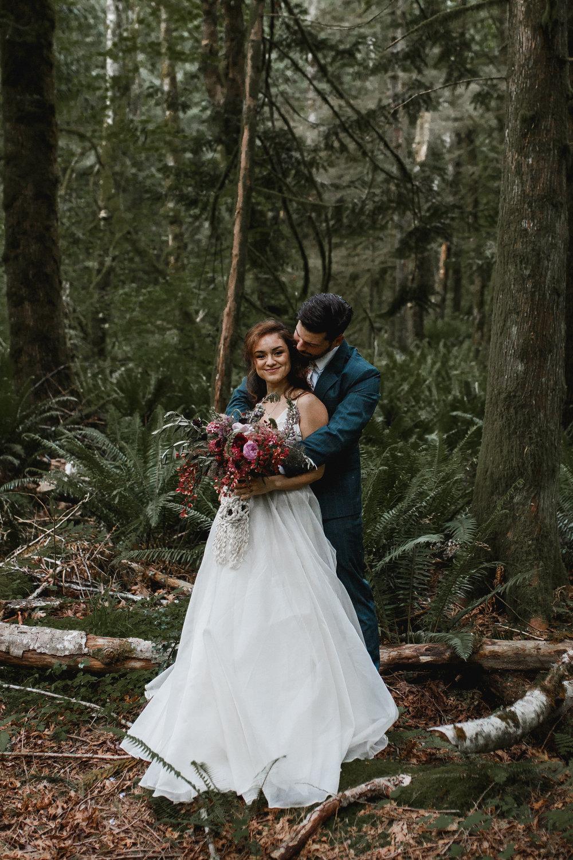 deep-woods-boho-elopement-102.jpg