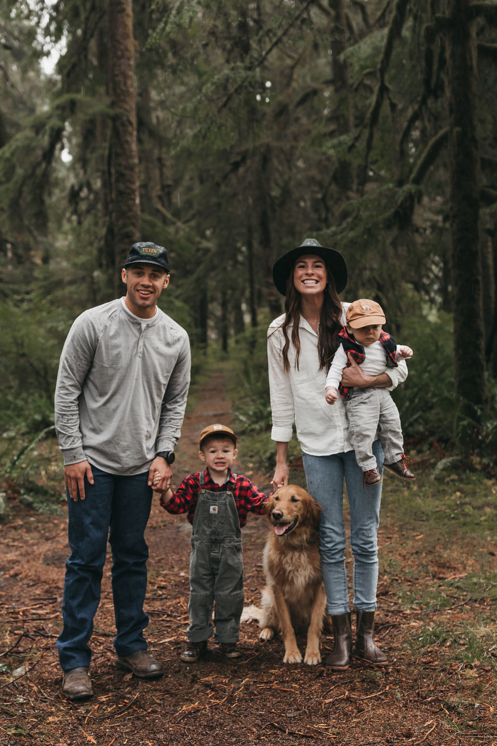 Pacific Northwest adventure family session. Between the Pine- Seattle adventure wedding and elopement photography