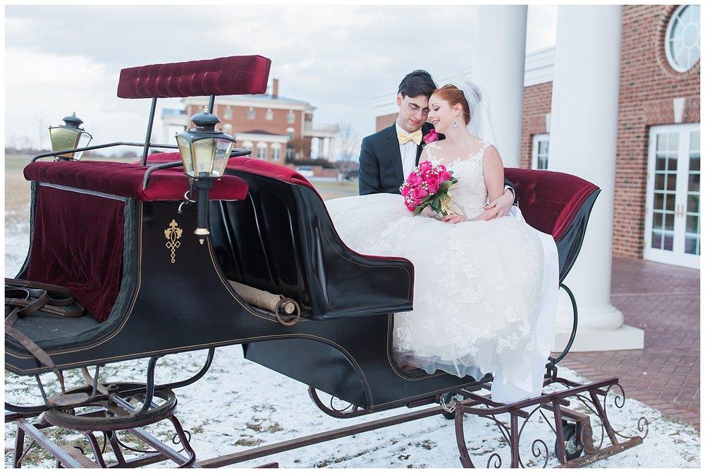 lynchburg_wedding_photographer_the_columns_at_six_penny_farm_0020.jpg