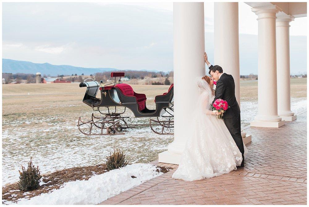 lynchburg_wedding_photographer_the_columns_at_six_penny_farm_0060.jpg