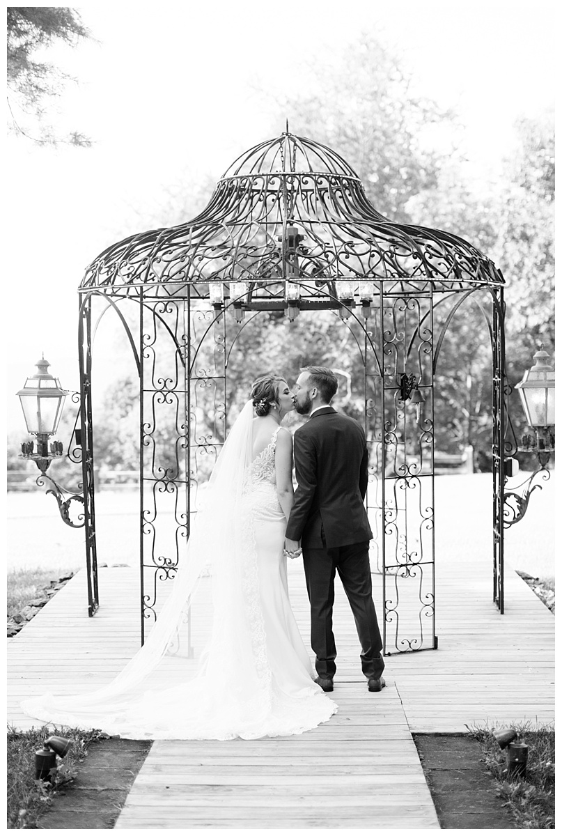 lynchburg_va_wedding_photographer_lexi_stephen50.jpg