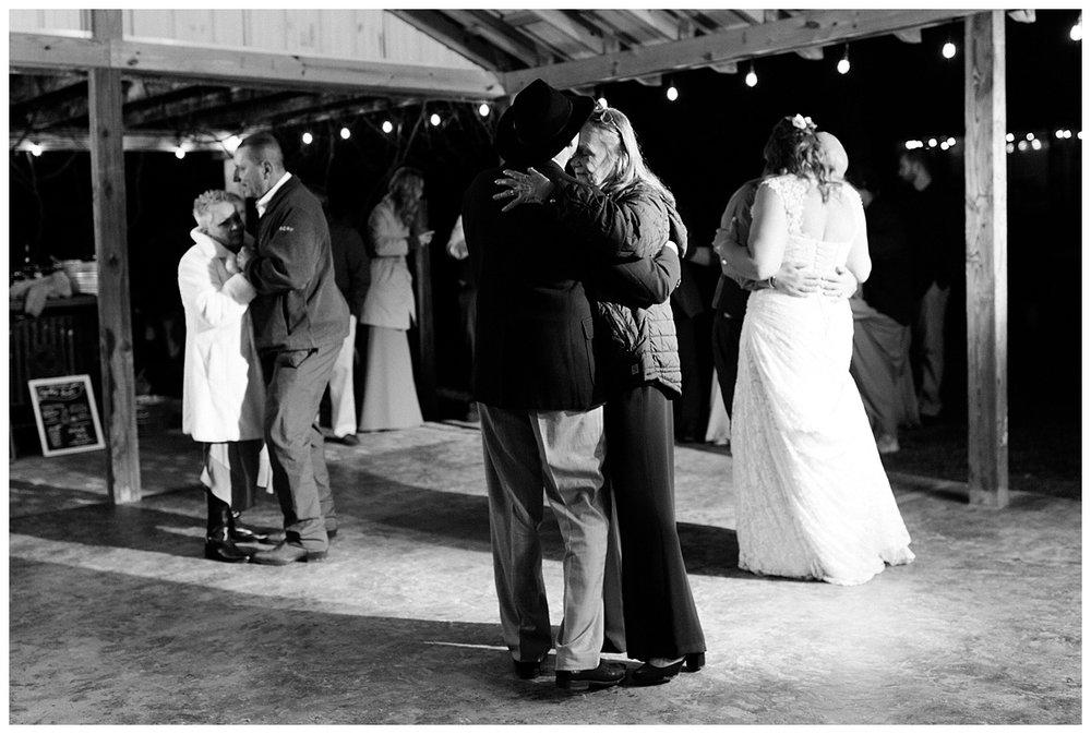 lynchburg_virginia_wedding_photographer_melissa_batman_photography_leogrande_winery85.jpg