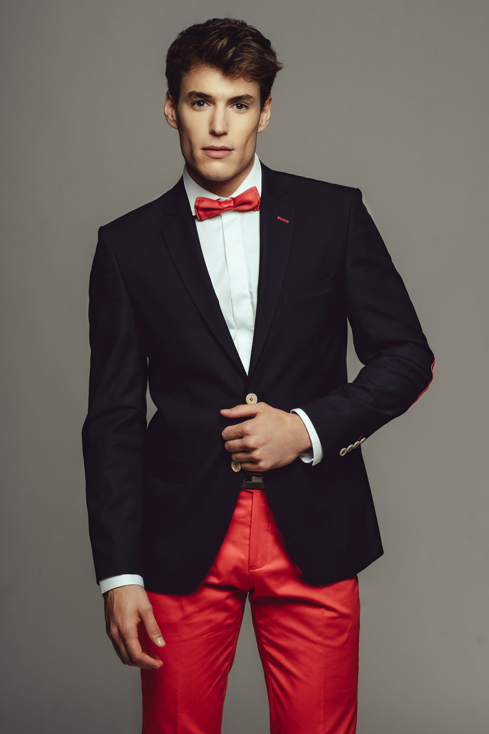 camilliano-2019-red-suit-01-HD.jpg