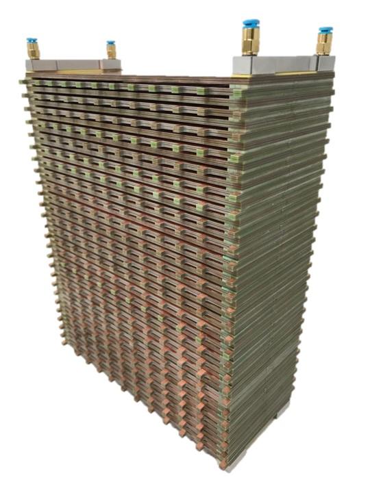1.25 kW stack no electronics HR.jpg