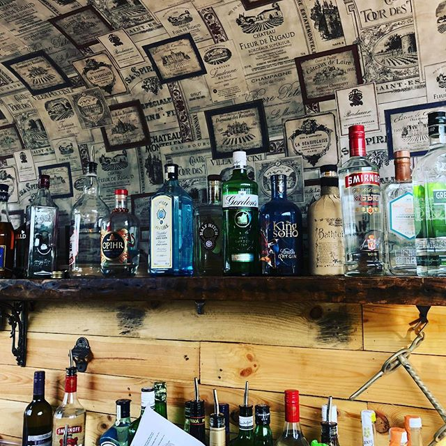#topshelf#ginandprosecco #gin