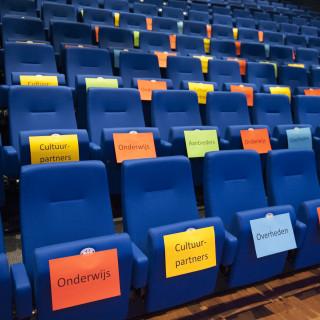 stoelen.jpg