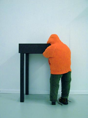 Jan van der Veer: Homesick, h. 80 cm, hout, acryl, textiel, ars pro domo.