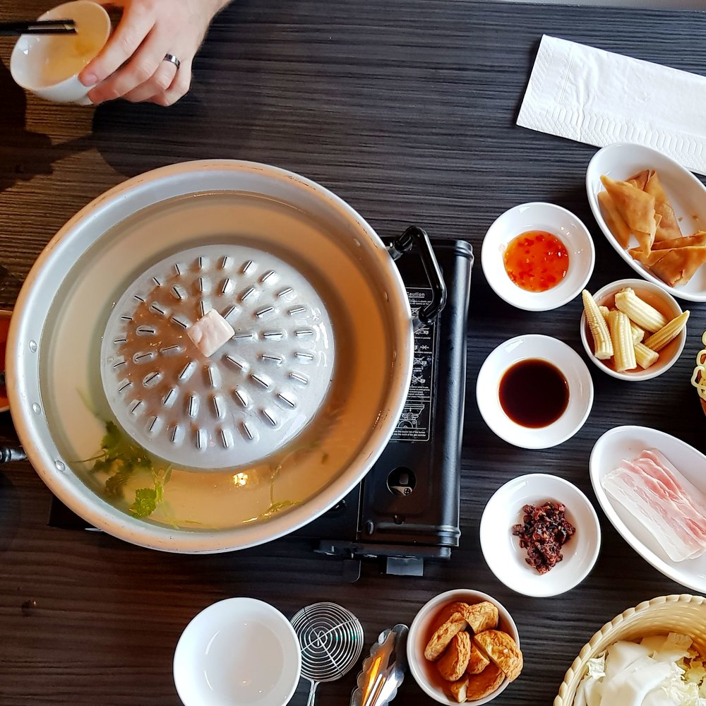 Mookata Restaurant Rotterdam Nederlands Korean BBQ Chinese Hot Pot asian food asian craving flat lay