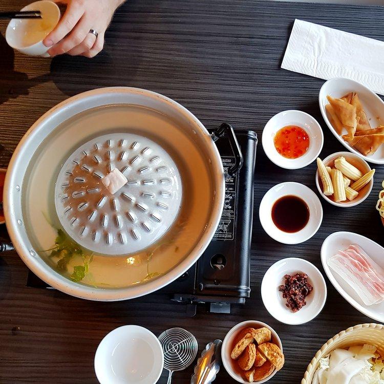 Barbecue Restaurant Rotterdam.Mookata Rotterdam Netherlands Korean Bbq And Chinese Hot Pot In