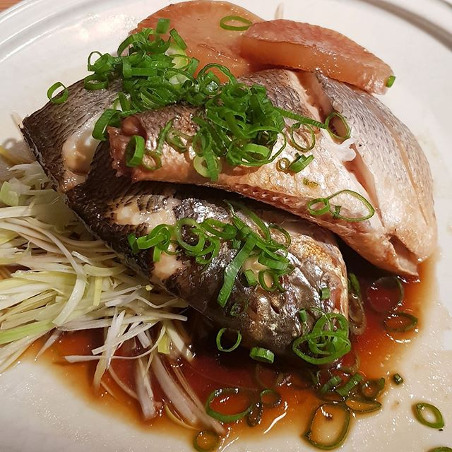 On the hunt for Korean food in Brussels? Check out @marubru for a good time 😜 check out the link in my bio for more 🐟 . . . #seabream #visitBrussels #eatBrussels #bezoekBrussel #besucheBrüssel #asiancraving #asianfood #seafood #koreanfood #marubrussels #zeebrasem #🐟