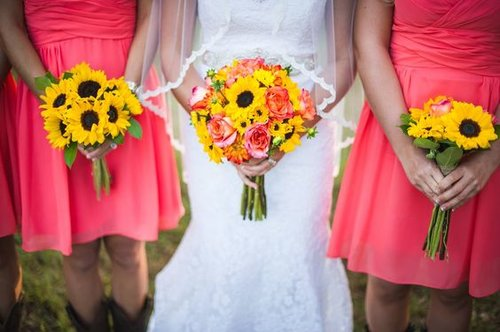 236bb7e00b37 Photo by Scobey Photography // Featured on Rustic Wedding Chic