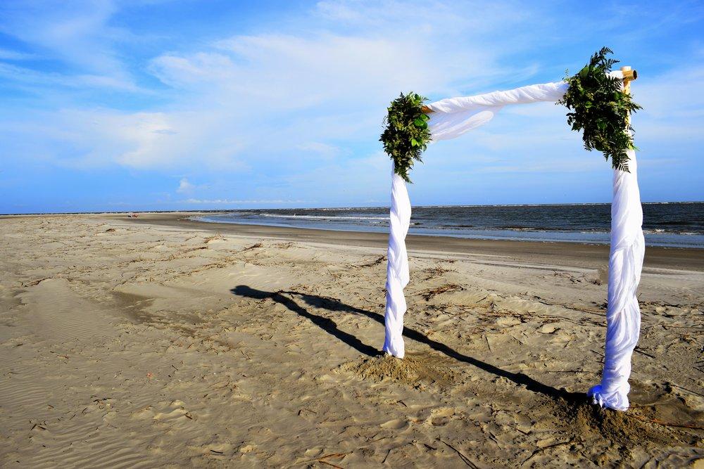 Marian + Jeff: Oceanfront Fripp Island Elopement | Palmetto State Weddings