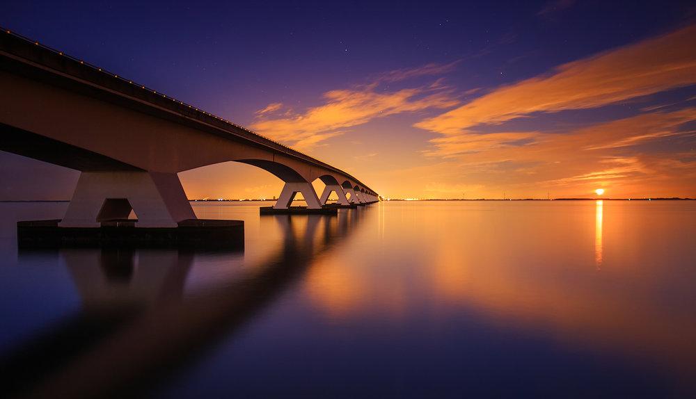 (Zeeland bridge, The Netherlands)