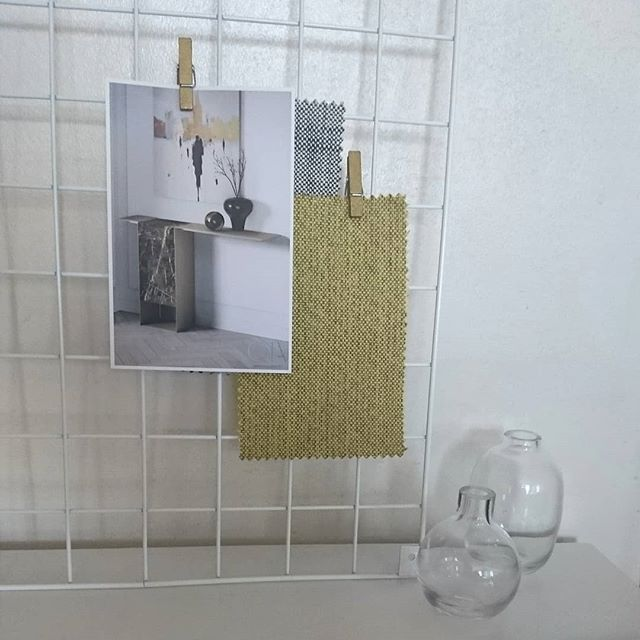 Hope everyone had a productive Wednesday... On my side it was more developing NEW concept in my tiny studio.  I normally like to hang all my fabric swatches/ samples on the  wall but am lovin' this wire mesh memo board.. Scroll➡️➡️ to see how its being developed.