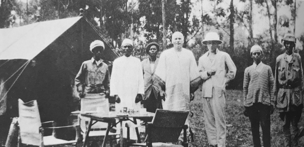 Carl Jung (centre) in Kenya, 1925. When Carl Jung visited eastern Africa, in 1925, his aim was to identify the relationship between two ostensibly primitive worlds: the deepest recesses of human psychology (dreams), on the one hand, and a savage hinterland (Africa), on the other. Similarly, Jung's older colleague, Sigmund Freud, argued that dreams, like African societies, signified untamed wildernesses that needed to be subdued and civilised (source of image: Carl Jung,  Letters, edited by  Gerhard Adler & Aniela Jaffé, 2 vols, Princeton: Princeton University Press), 1973–75.
