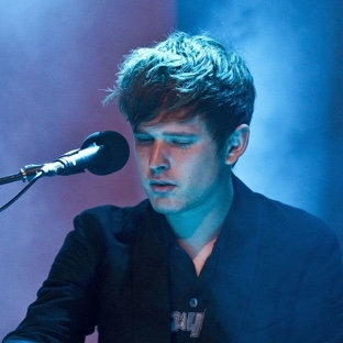 james-blake-new-song-if-the-car-moves-beside-you.jpg