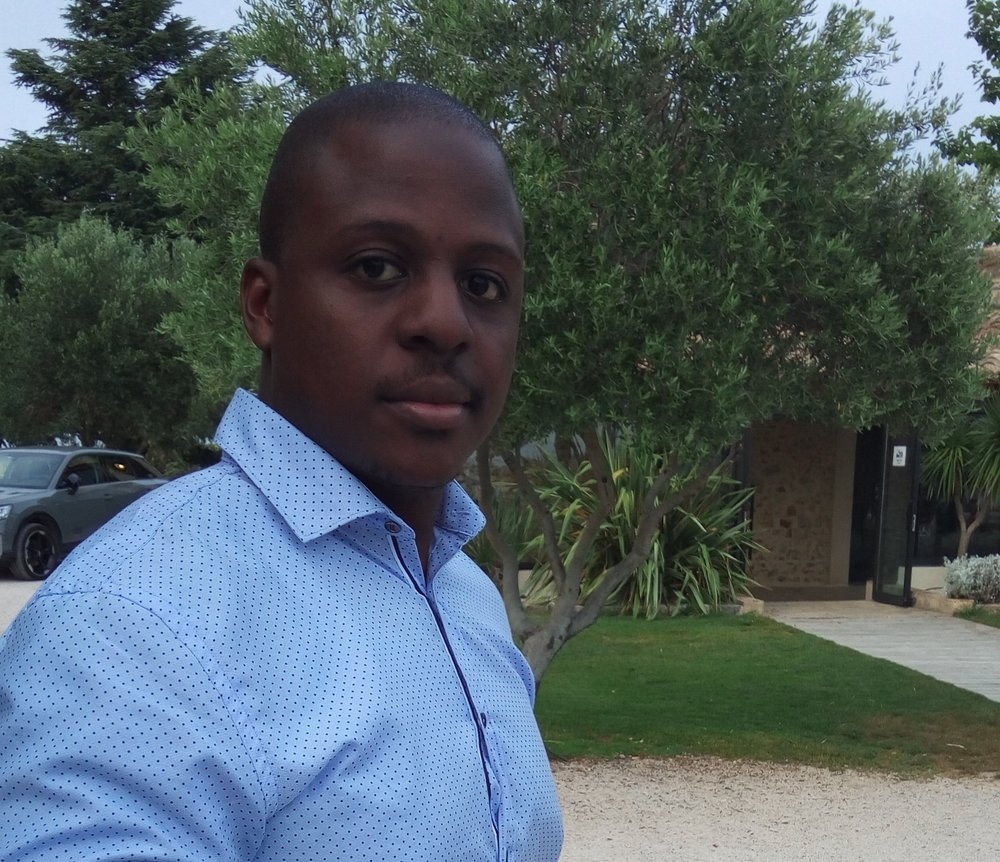 Interview exclusive de Thom Mpanjo, CEO de la startup Yesdriveme