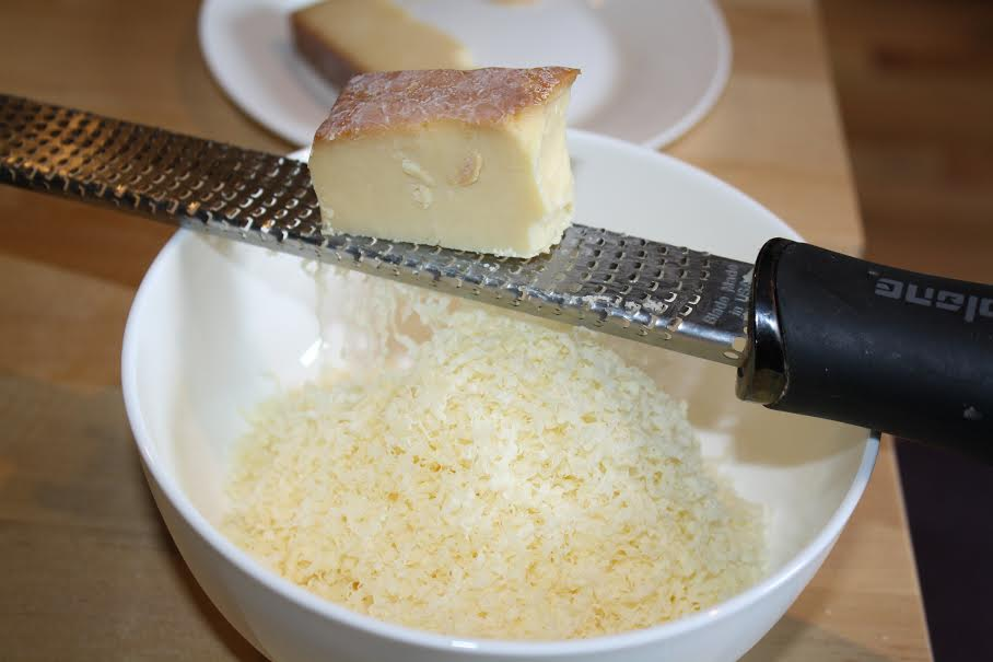 Grating Smoked Seaside Cheddar