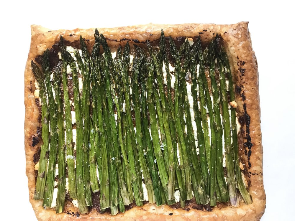 Asparagus and sun dried tomato tart