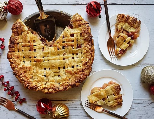 Pie isn't just for Thanksgiving! And the cranberries in this Cranberry-Apple Pie make it extra festive. Click the link in my profile for this recipe, or go here: http://www.designsponge.com/2017/12/a-showstopping-apple-pie-for-the-holidays.html #holidaybaking