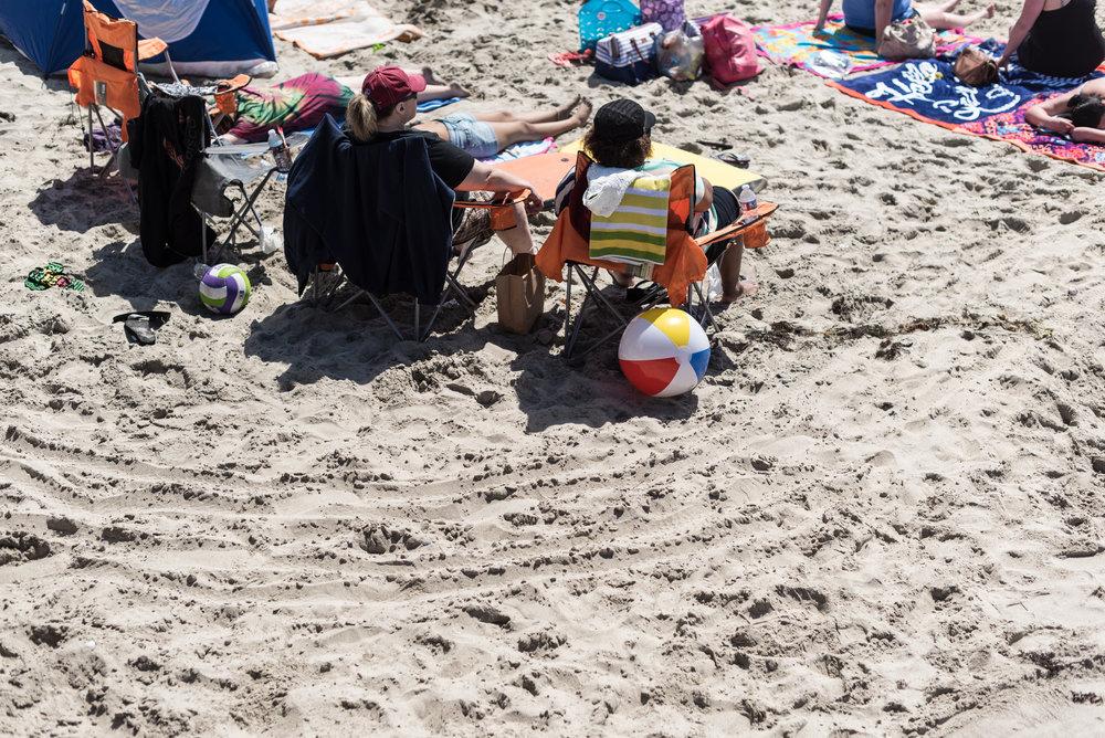 beach goers-1.jpg