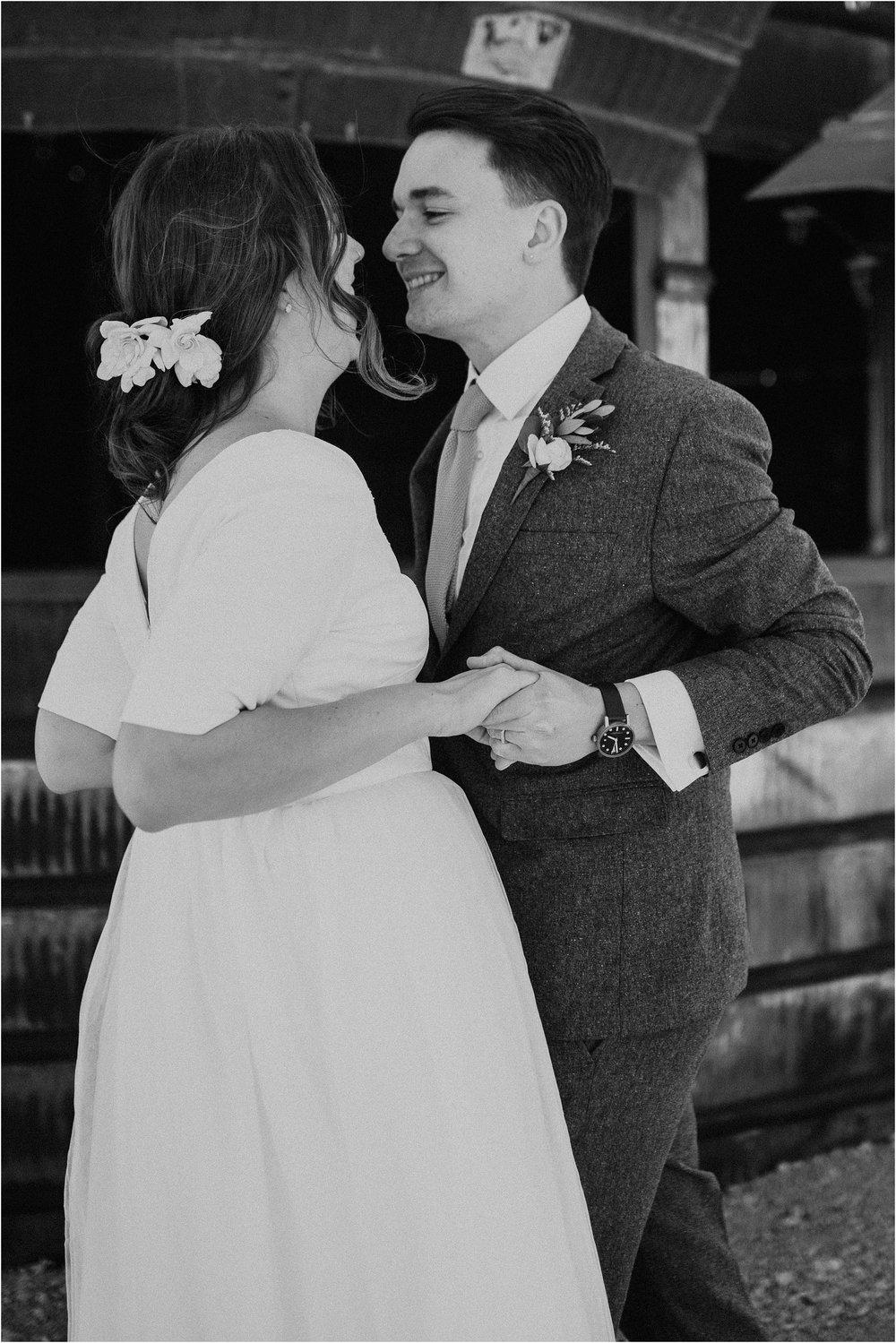 willow_creek_farm_champaign_wedding_wright_photographs_street_0576.JPG
