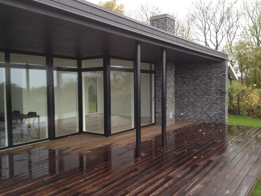 sommerhus nybyg facade terrasse.JPG