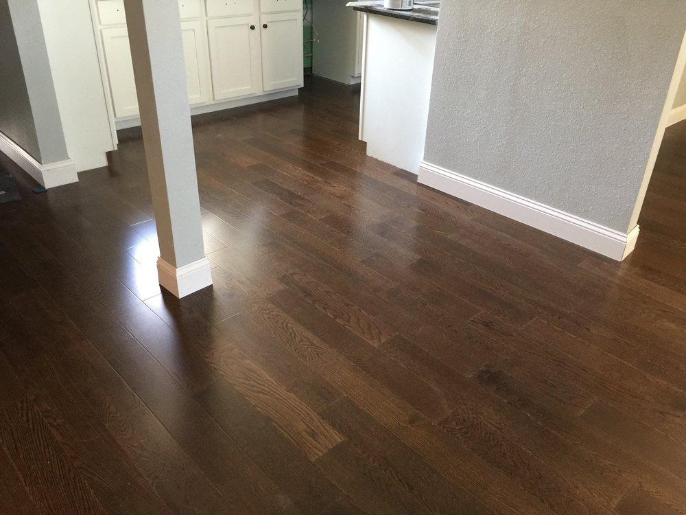 flooring installers.jpg