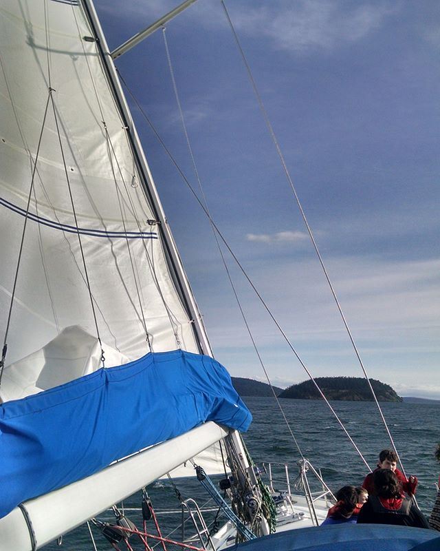 from our spring breakers sailing up in the San Juans this week 🌊 🚣‍♀️
