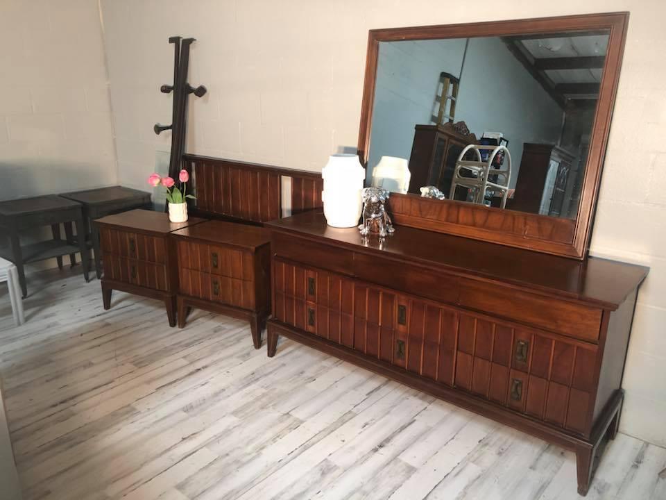 Genial Dixie Solid Wood King Bedroom Set