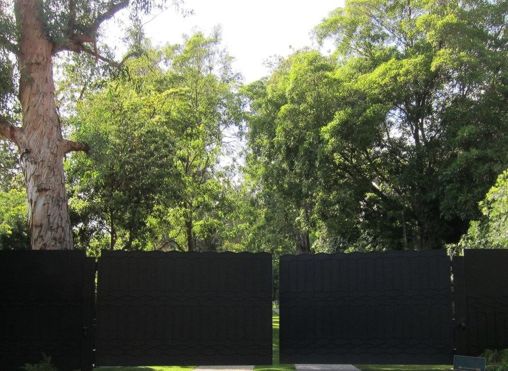 Beverly_Driveway_Entrance.jpg