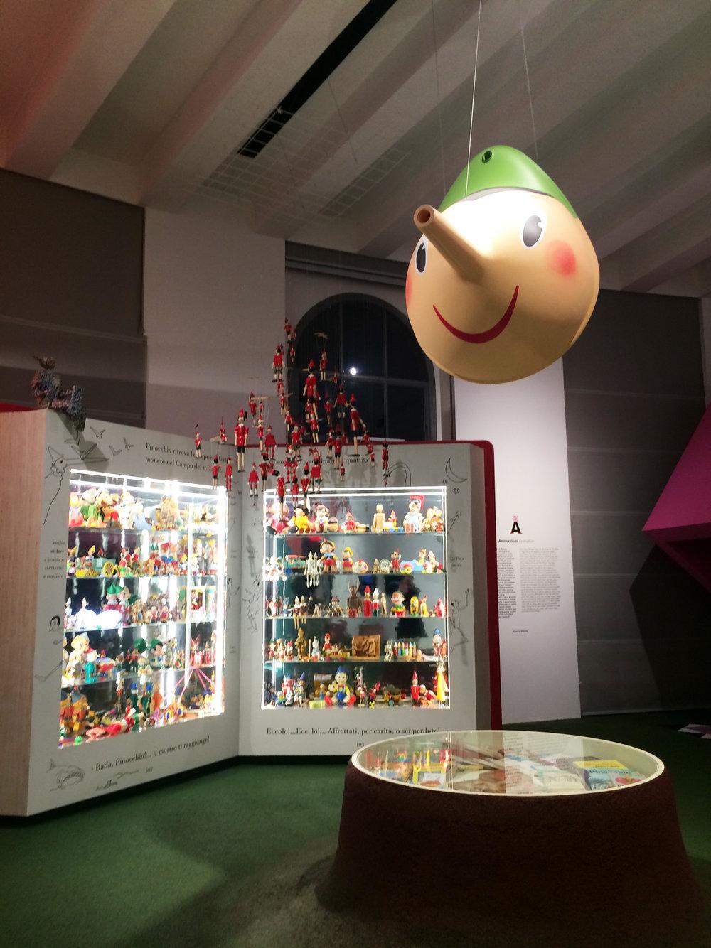 ムナーリのコーナーはもちろん、ピノキオを集めた展示コーナーも。