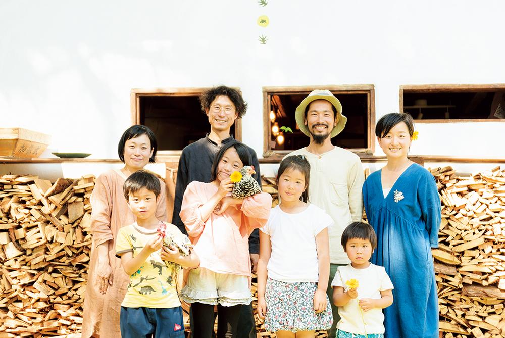 近所に住む染色家『solosolo』の田澤さん一家は、子育てからものづくりまでなんでも相談できる友人