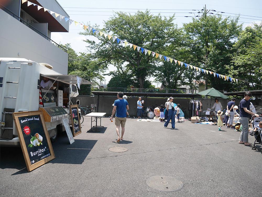 いらないものを手数料無料で売れるガレージセールも同時開催。