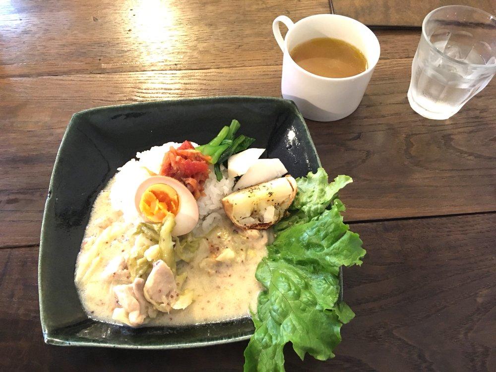 レシピを愛用している角田さんのごはん。野菜もたっぷり。