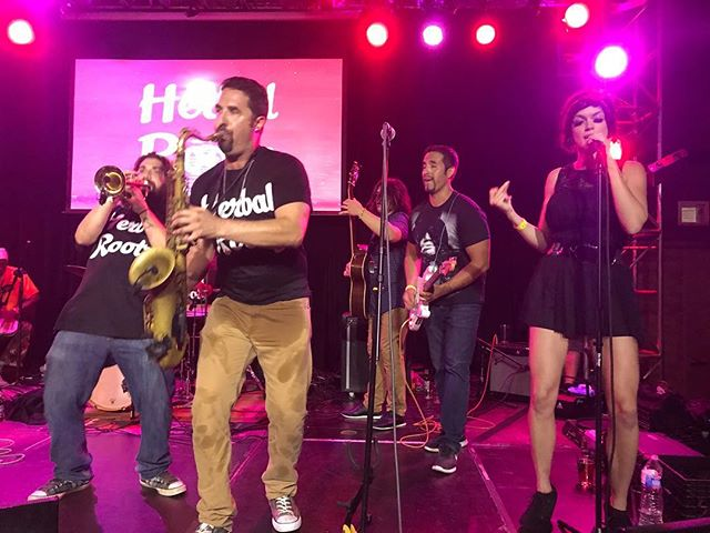 Brought my girl and best friend on stage last night with @herbalrootz !! WOW they fucking killed it!!! #eventsband #sax #guitar #top40 #jazz #swing #funk #hiphop #reggae #stage #lights #vibes #goodvibesonly #passion #career #westcoast