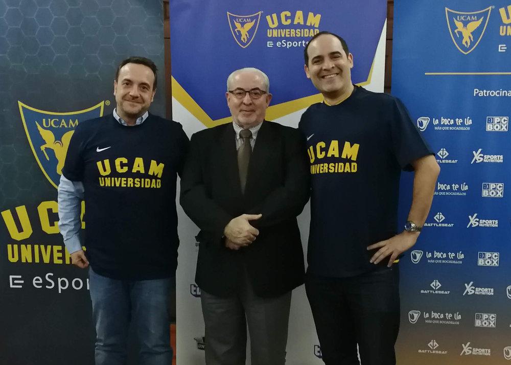 En la foto: José Parrilla  (CEO GGTech)  - José Luis Mendoza Pérez  (Presidente de la UCAM)  - Mark Candella  ( Director, Strategic Partnerships at Twitch )
