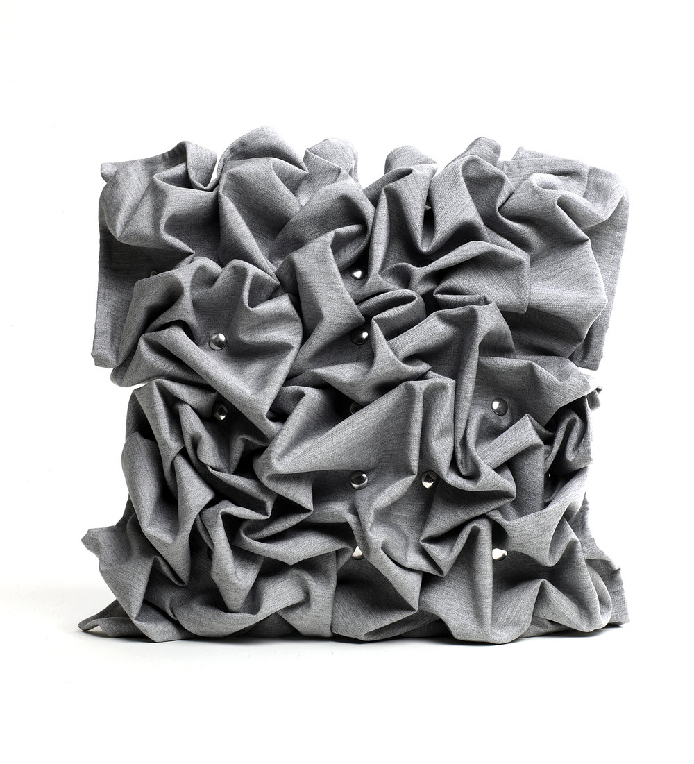 Greyscale Design -Pleat Connected tyyny